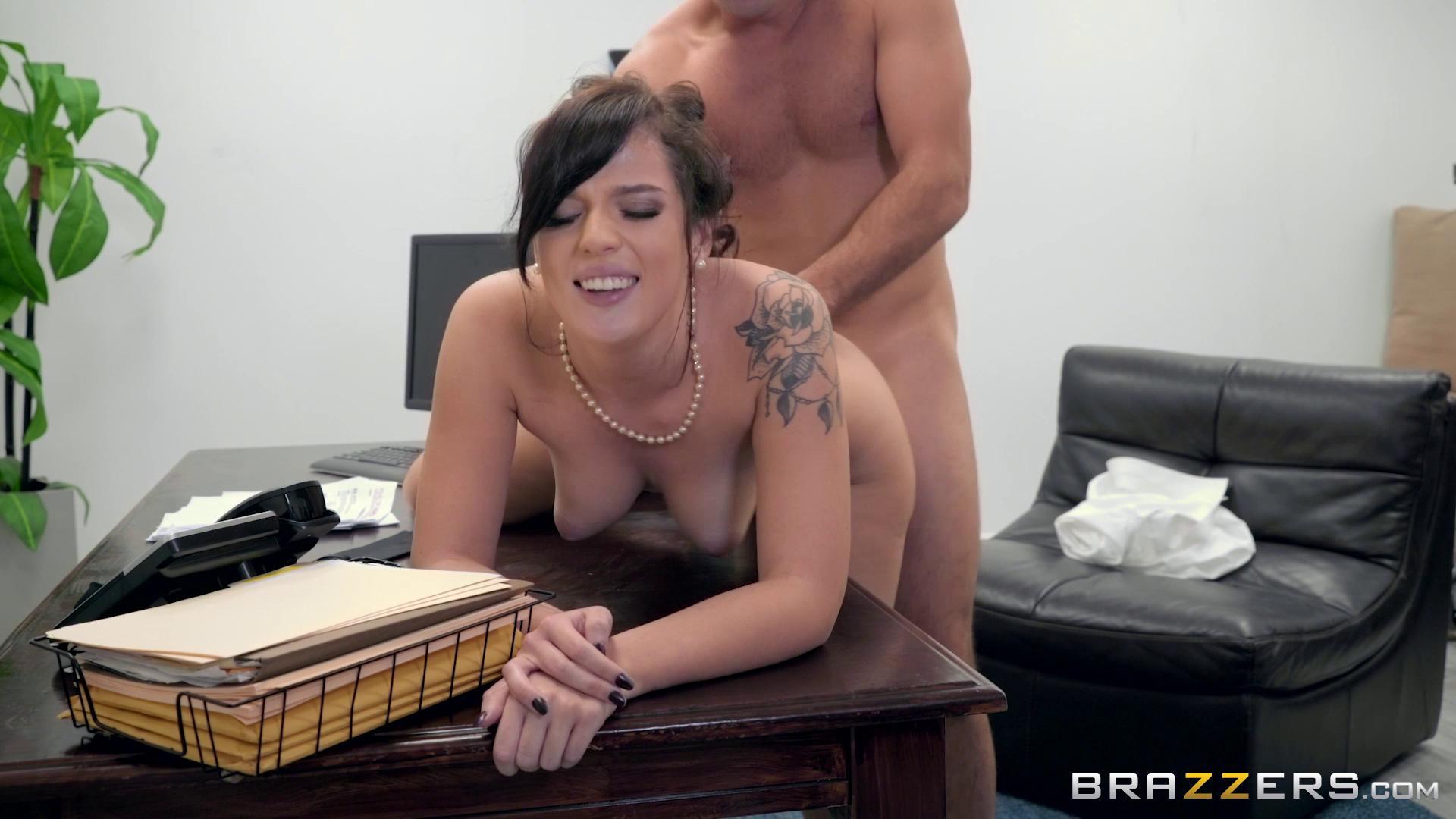 TeensLikeItBig – Scarlett Mae Secret Slut