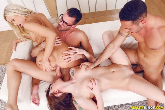 EuroSexParties: Wash Me – Lola MyLuv aka Dido Angel and Molly Quinn