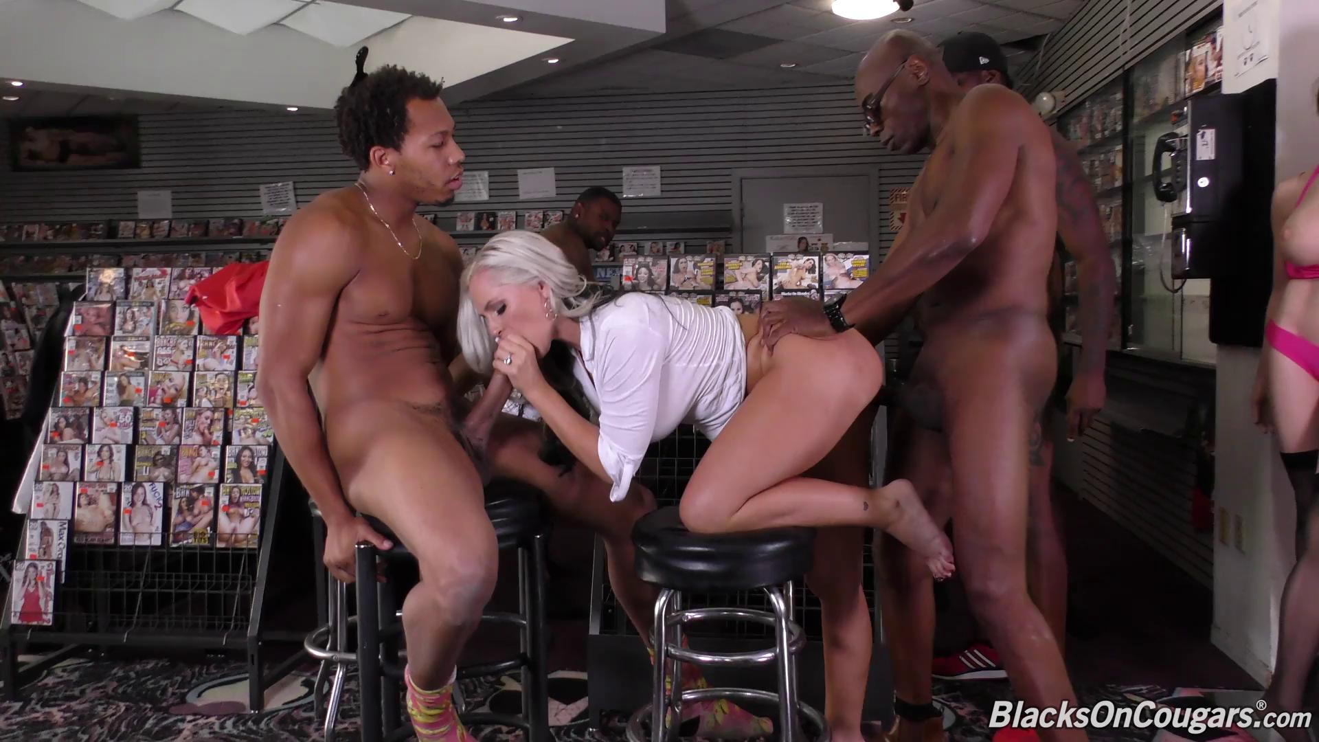 BlacksOnCougars – Alena Croft