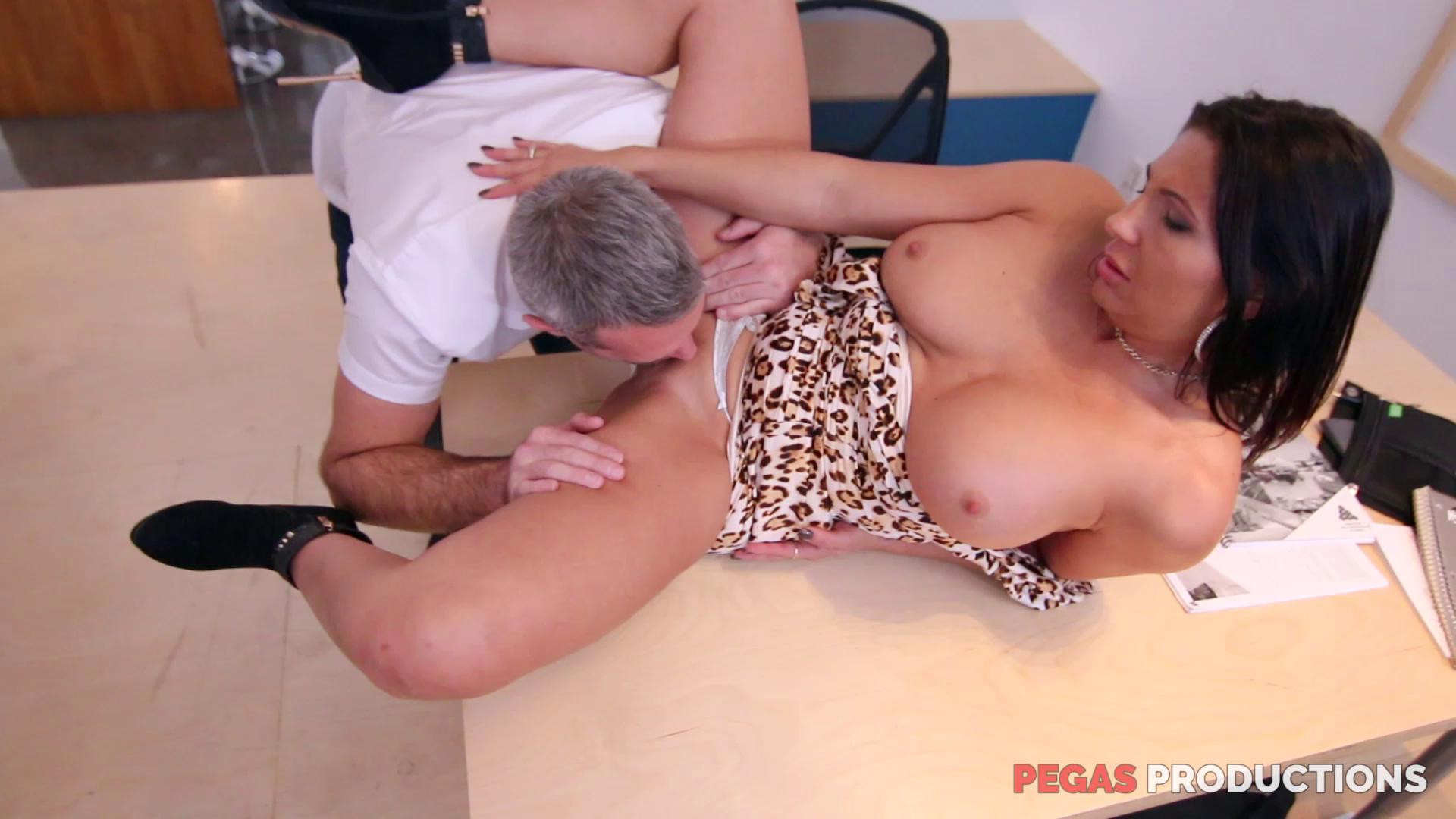 PegasProductions – Missy Gold My Boss Likes It In The Ass FRENCH