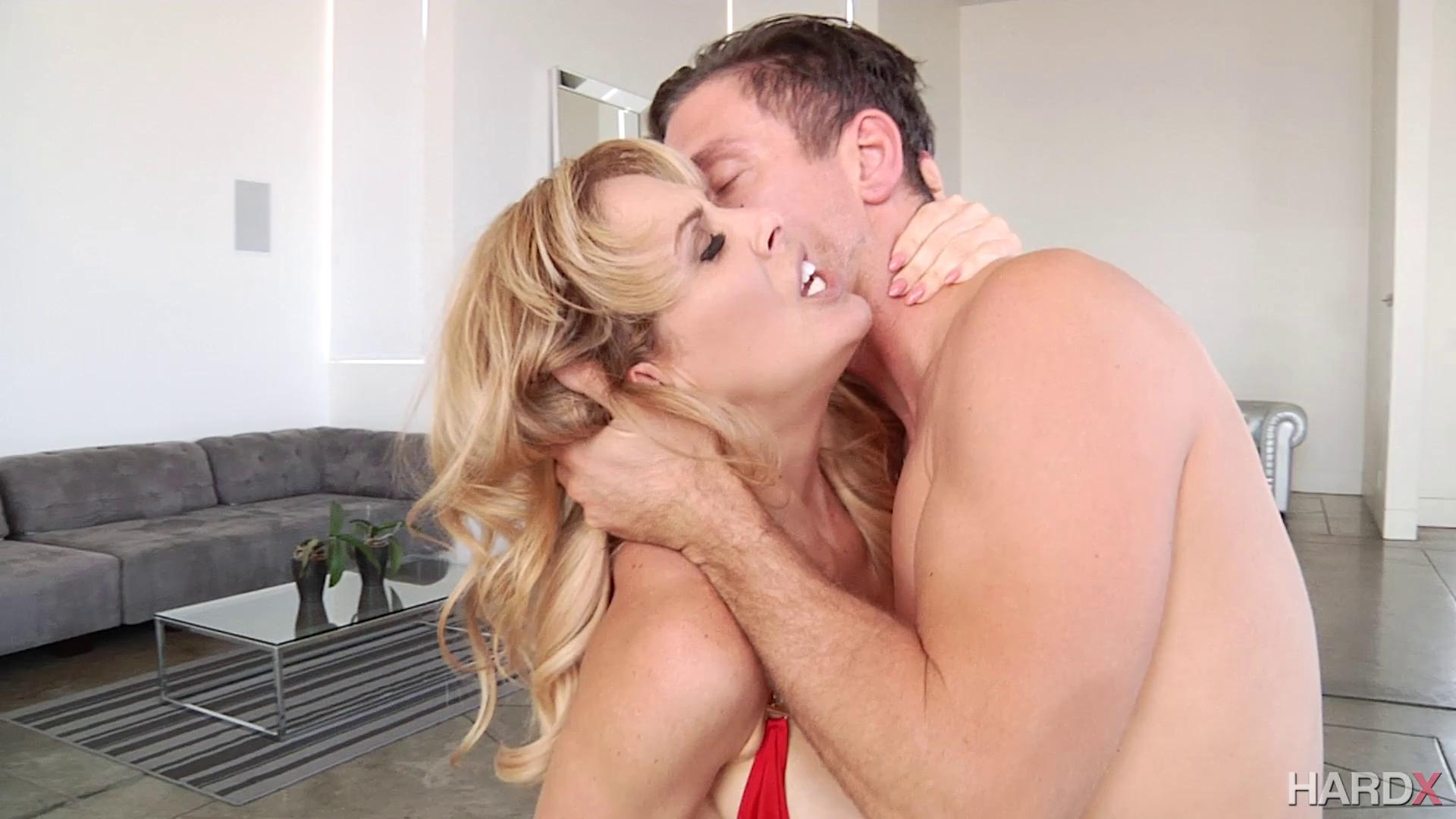 HardX – Cherie Deville All Anal Cougar