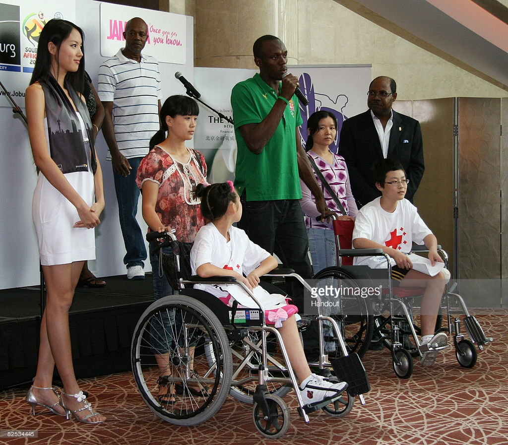 zilin zhang, miss world 2007. - Página 9 59817088_in-this-handout-image-supplied-by-aips-gold-medalist-usain-bolt-as-picture-id825