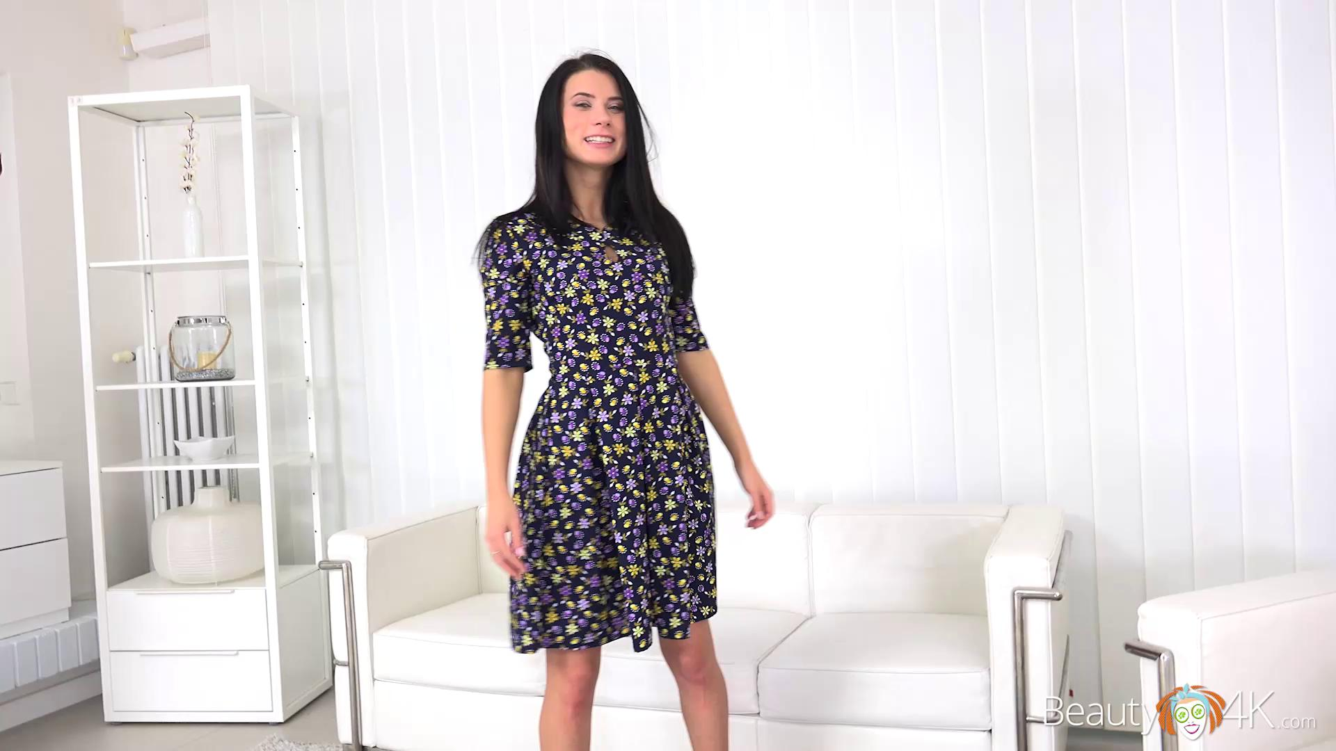 Beauty4K – Nicole Black