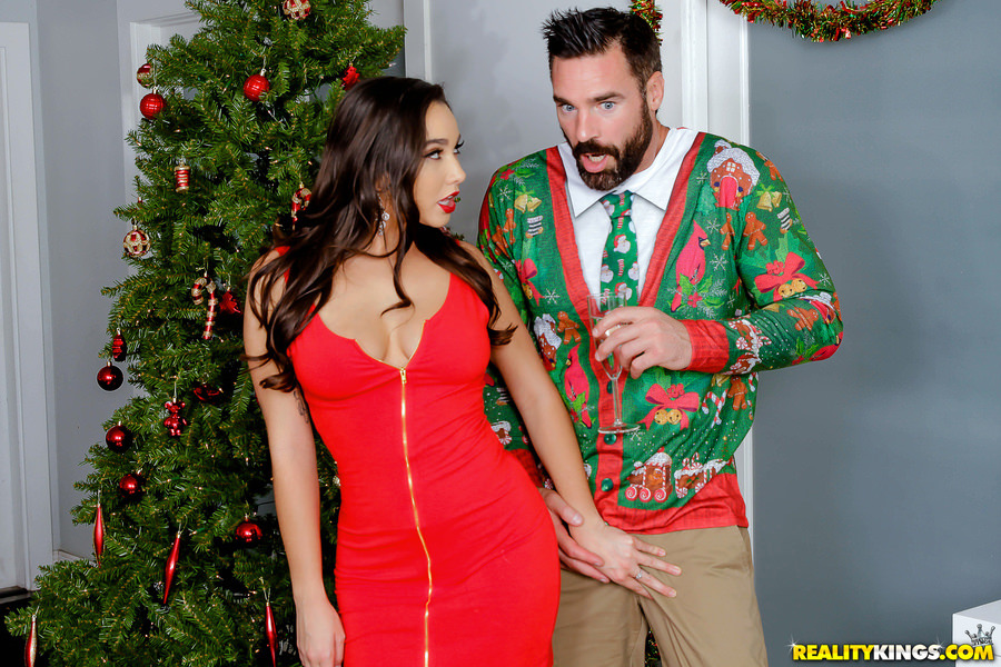 BigNaturals – Karlee Grey – Ho Ho Homewrecker